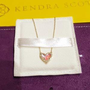 💛Kendra Scott Ari Heart Gold in Dichroic Glass💛
